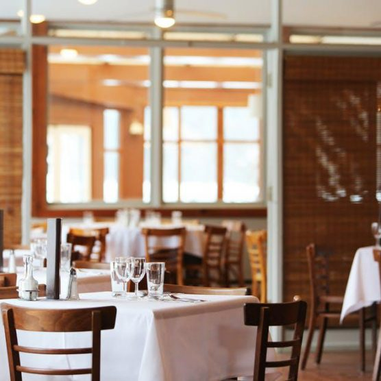 How Restaurants Can Employ Technology to Provide Incredible Customer Experience
